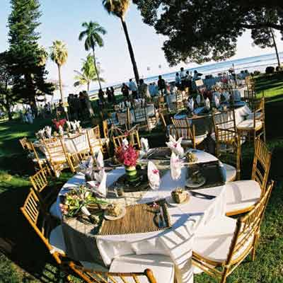 A catered wedding reception at te Olowalu Plantation House wedding location in West Maui.
