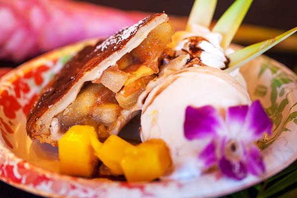 homemade-pie-maui-apple-mango-cjs-diner-2066.jpg