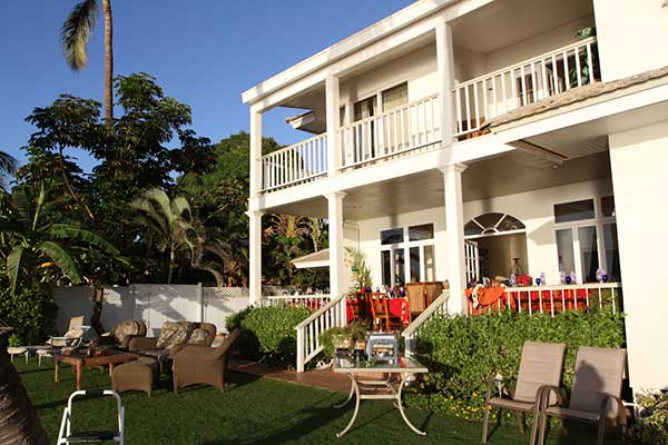 The most affordable catering in Lahaina at a private vacation rental, the White House, for a catered private chef dinner for a family reunion.