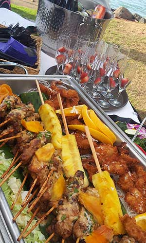 bbq chicken skewers by maui catering 20131105 162221