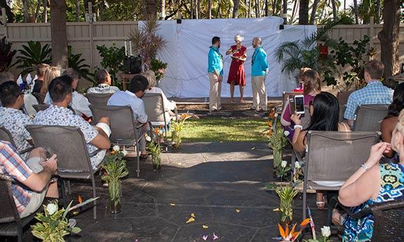A Maui same sex wedding at the Sunseeker.