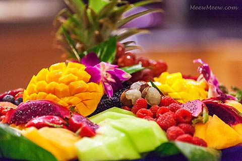 Maui catering takeaway platter of fresh fruits.