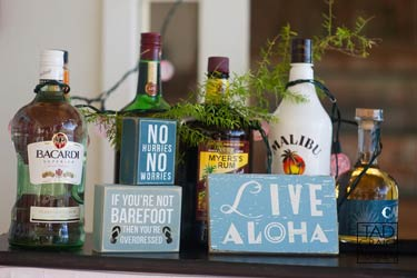 A cocktail bar for a catered Maui wedding in Lahaina.
