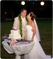 Maui wedding cake with tropical flowers at Olowalu Plantion House.