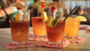 Mai Tai cocktails are a classic tropical cocktail for Maui Hawaii weddings.