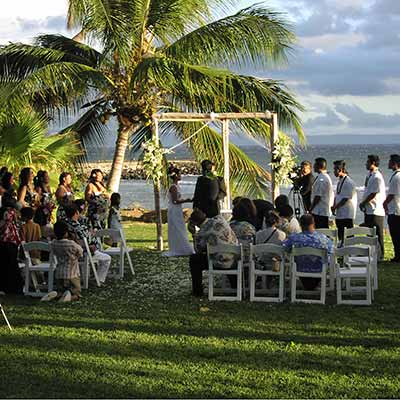 Another West Maui wedding at the Olowalu plantation house with catering services by Comfort Zone Catering in Kaanapali.