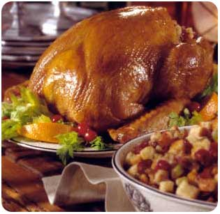 A complete Maui holiday dinner served in ready to heat and eat oven ready pans.